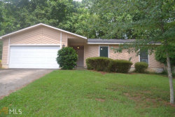 Photo of 825 Lake Forest Cir, Roswell, GA 30076-2566 (MLS # 8608132)