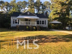 Photo of 695 Maple Dr, Riverdale, GA 30274-4115 (MLS # 8787835)