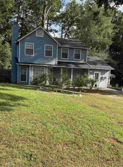 Photo of 1093 Forest Path, Stone Mountain, GA 30088-2923 (MLS # 8857215)