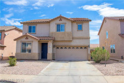 Photo of 172 CARLSBAD CAVERNS Street, Henderson, NV 89012 (MLS # 2085812)