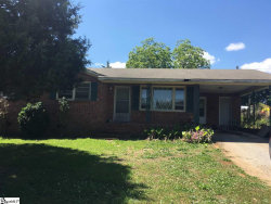 Photo of 162 Foxhall Road, Spartanburg, SC 29303 (MLS # 1392364)