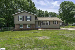 Photo of 4 Chatwood Court, Simpsonville, SC 29680 (MLS # 1392720)