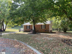 Photo of 13 Lawnview Court, Wellford, SC 29385 (MLS # 1403714)