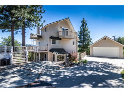 Photo of 27512 Matterhorn Drive, Lake Arrowhead, CA 92352 (MLS # CV18165389)