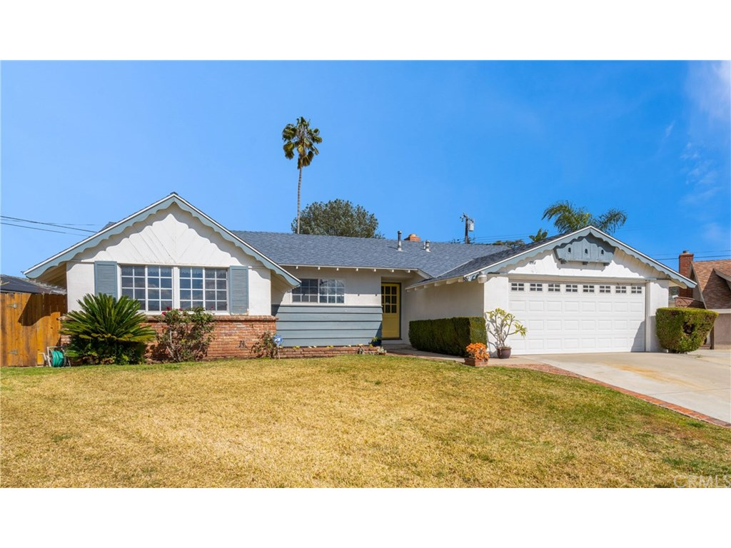 Photo for 403 W Primrose, Glendora, CA 91740 (MLS # CV19035591)