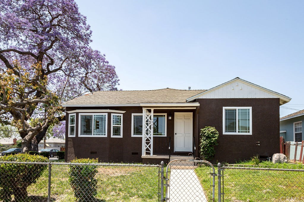 Photo for 4903 Palo Verde Avenue, Lakewood, CA 90713 (MLS # DW20116124)