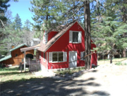 Photo of 2424 Ridge Road, Arrowbear, CA 92308 (MLS # EV17098781)