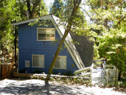 Photo of 27324 Pinewood Drive, Lake Arrowhead, CA 92352 (MLS # EV17185366)