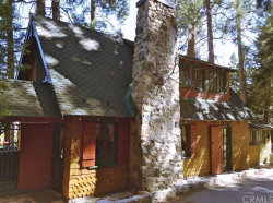Photo of 522 Stonehill Drive, Lake Arrowhead, CA 92352 (MLS # EV17187841)