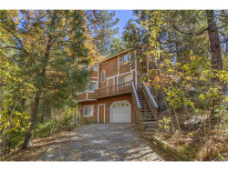 Photo of 995 Teakwood Drive, Lake Arrowhead, CA 92352 (MLS # EV18265465)