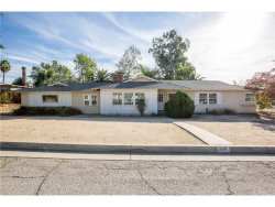 Photo of 542 Via Vista Drive, Redlands, CA 92373 (MLS # EV18275741)