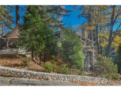 Photo of 26438 Thunderbird Drive, Lake Arrowhead, CA 92352 (MLS # EV18282369)