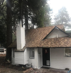 Photo of 435 Maple Lane, Crestline, CA 92325 (MLS # EV20003099)