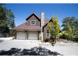 Photo of 1447 Sequoia Drive, Lake Arrowhead, CA 92352 (MLS # IV17191752)