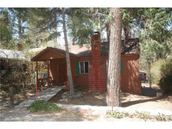 Photo of 1570 Twin Lakes Road, Wrightwood, CA 92397 (MLS # IV18125279)