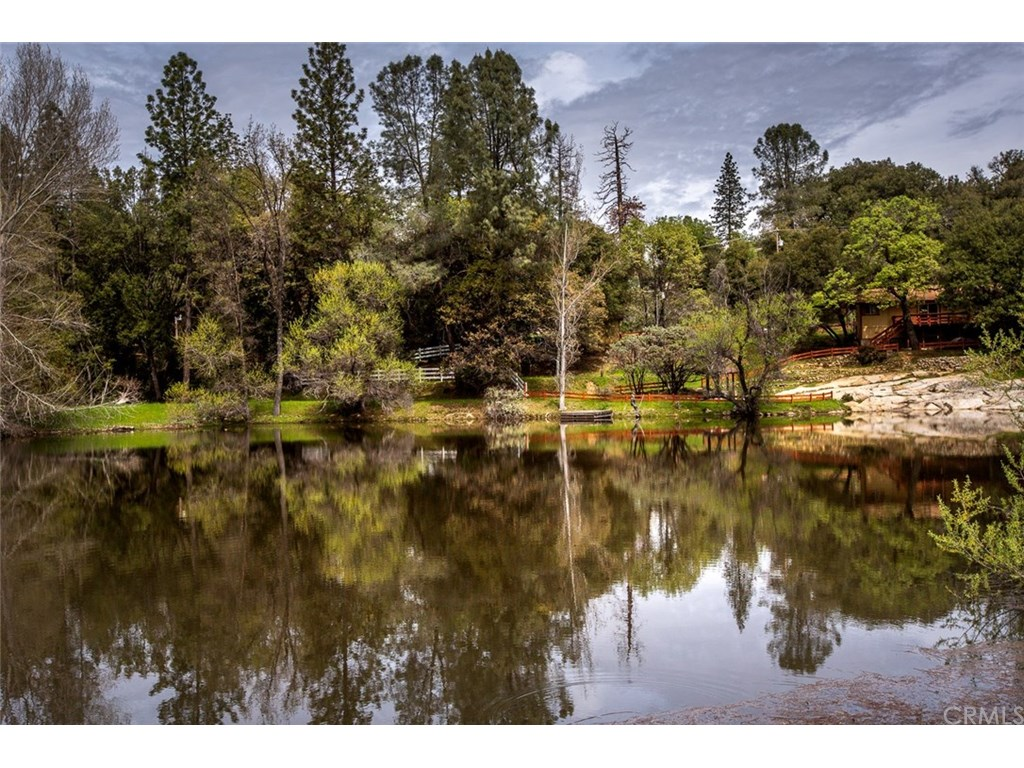 Photo for 5468 Clouds Rest, Mariposa, CA 95338 (MLS # MP18083928)