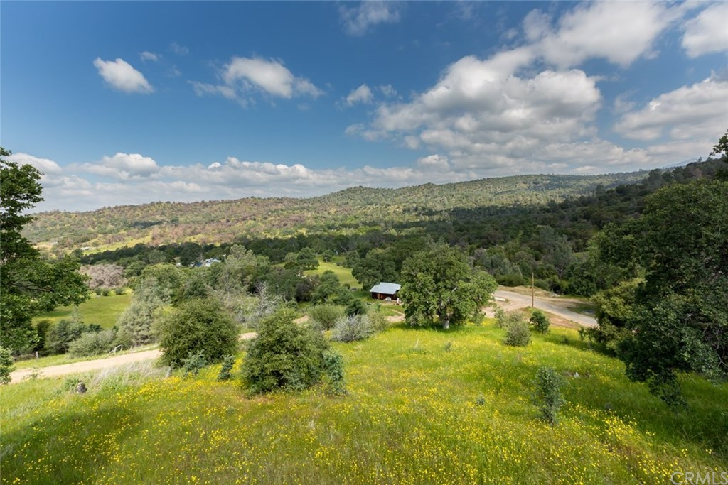 Photo for 4132 Usona Road, Mariposa, CA 95338 (MLS # MP19113161)