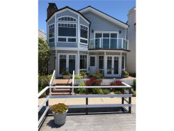 Photo of 132 S Bay Front, Newport Beach, CA 92662 (MLS # NP17154091)