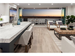 Photo of 614 W Oceanfront, Newport Beach, CA 92661 (MLS # NP17179719)