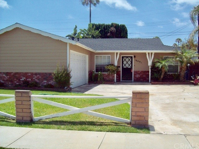 Photo for 18891 Lister Lane, Huntington Beach, CA 92646 (MLS # OC17130921)