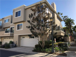 Photo of 19371 Maidstone Lane, Huntington Beach, CA 92648 (MLS # OC18092163)