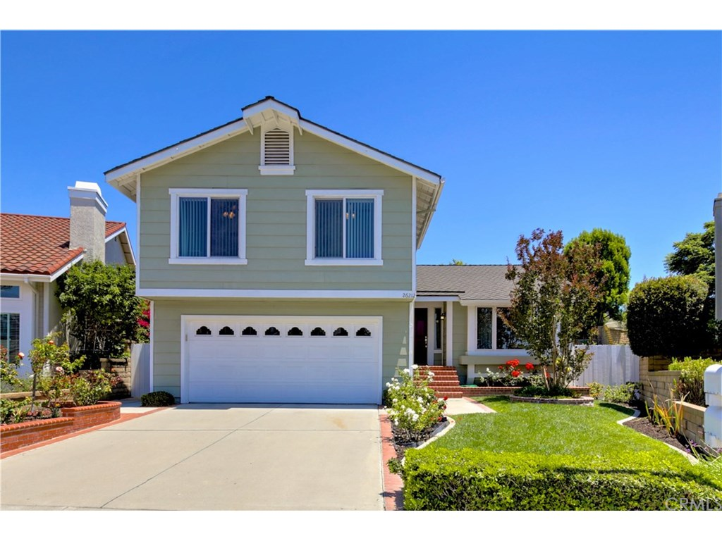 Photo for 26212 Buscador, Mission Viejo, CA 92692 (MLS # OC18159541)