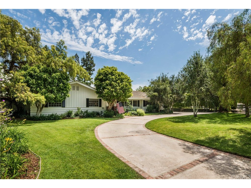 Photo for 42 Empty Saddle Road, Rolling Hills Estates, CA 90274 (MLS # PV18176904)