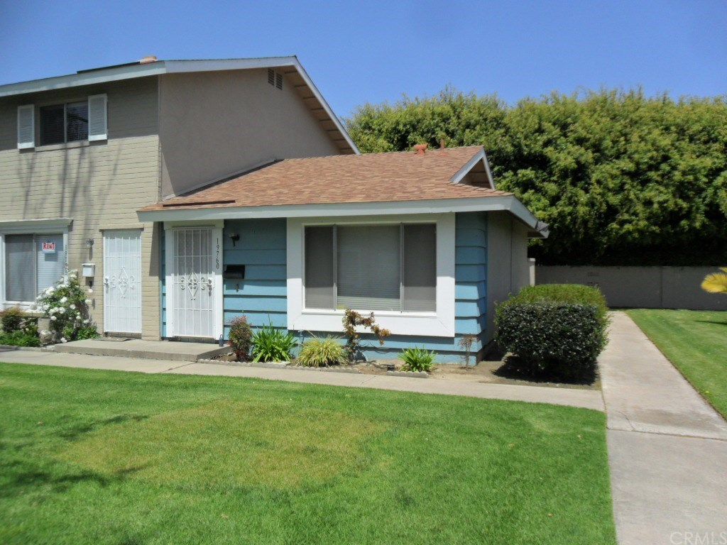 Photo for 19760 Kingswood Lane, Huntington Beach, CA 92646 (MLS # PW18085865)
