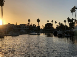 Photo of 17 Balboa Coves, Newport Beach, CA 92663 (MLS # PW18245953)