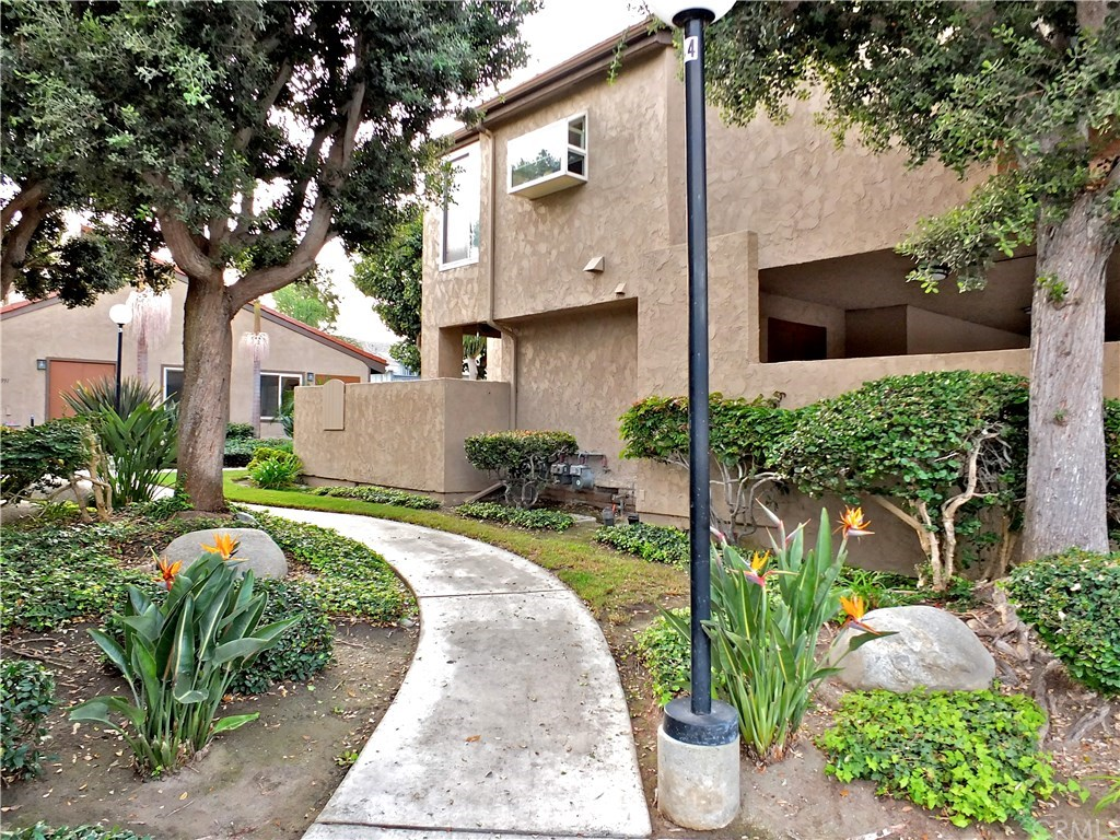 Photo for 16975 Bluewater Lane, Unit 72, Huntington Beach, CA 92649 (MLS # PW19214484)