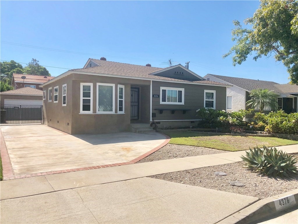 Photo for 4376 Quigley Avenue, Lakewood, CA 90713 (MLS # PW19217096)