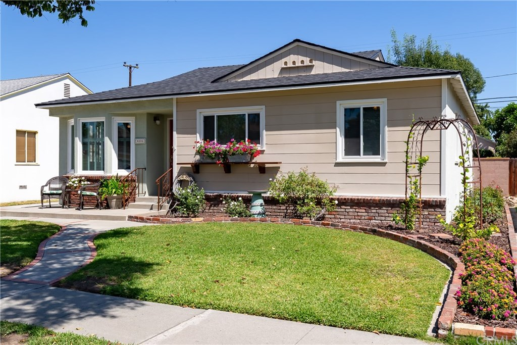 Photo for 4316 Iroquois Avenue, Lakewood, CA 90713 (MLS # PW19223598)