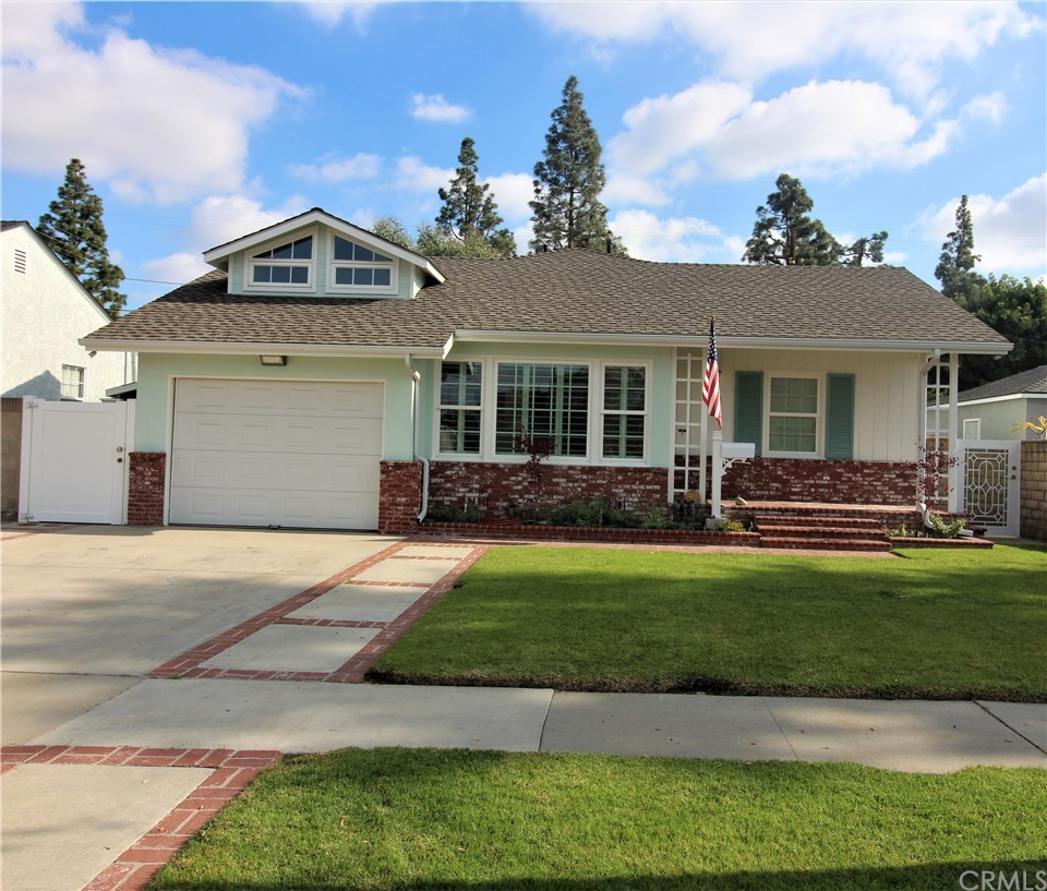 Photo for 5532 Castana Avenue, Lakewood, CA 90712 (MLS # PW20006142)