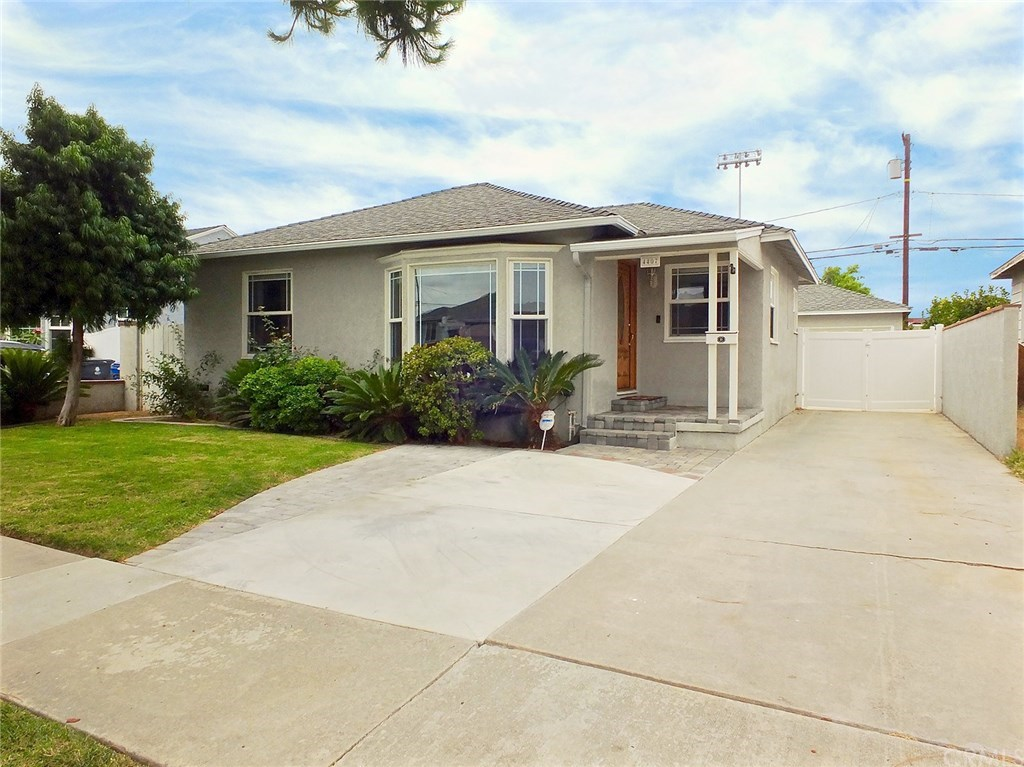 Photo for 4407 Radnor Avenue, Lakewood, CA 90713 (MLS # PW20102938)