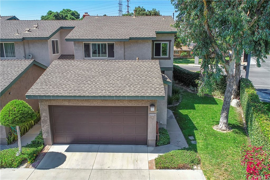 Photo for 20001 Village Green Drive, Lakewood, CA 90715 (MLS # PW20152553)