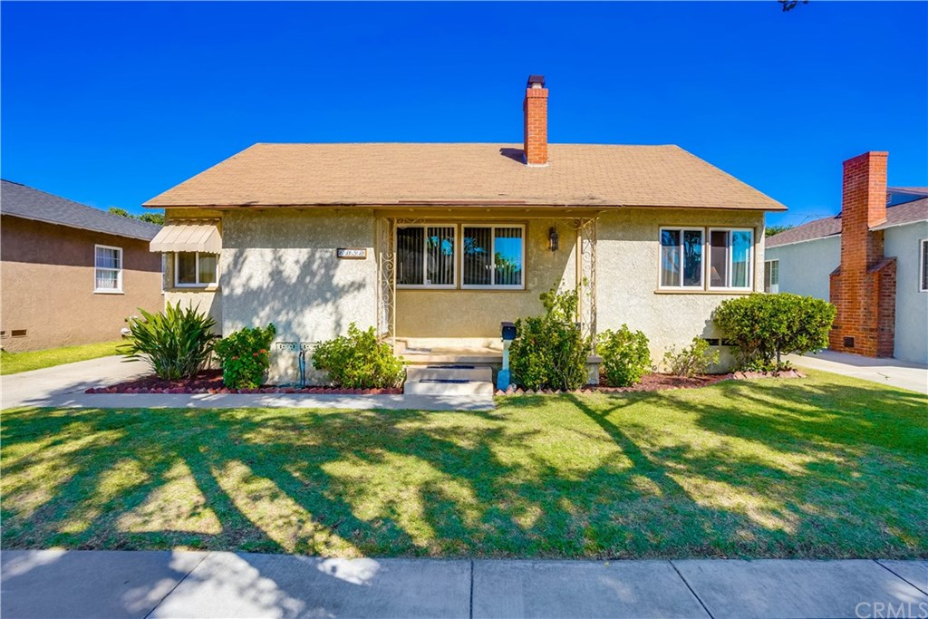 Photo for 6050 Hayter Avenue, Lakewood, CA 90712 (MLS # PW20182631)