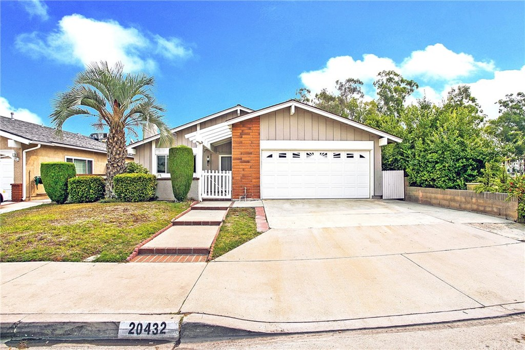 Photo for 20432 Belshire Avenue, Lakewood, CA 90715 (MLS # PW20190272)