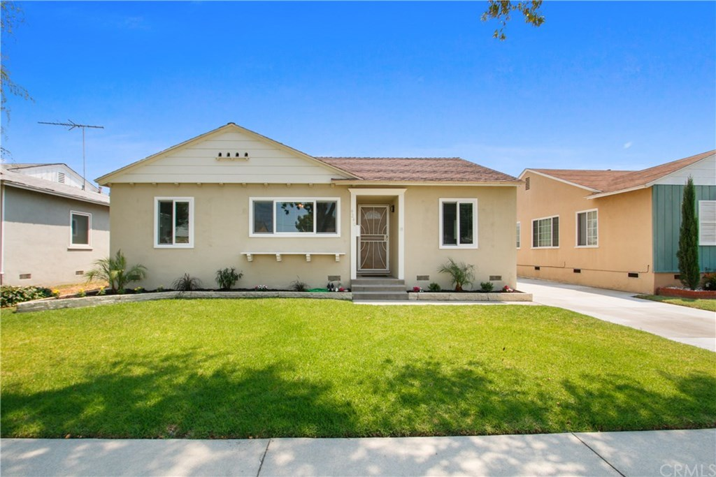 Photo for 4240 Quigley Avenue, Lakewood, CA 90713 (MLS # RS20172546)