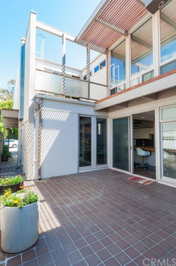Photo of 550 4th Street, Manhattan Beach, CA 90266 (MLS # SB17143081)