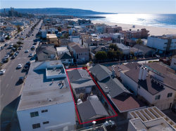 Tiny photo for 57 7th Street, Hermosa Beach, CA 90254 (MLS # SB19001042)