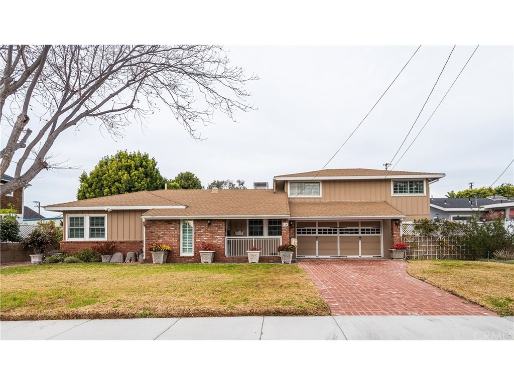 Photo for 519 W Walnut Avenue, El Segundo, CA 90245 (MLS # SB19027417)