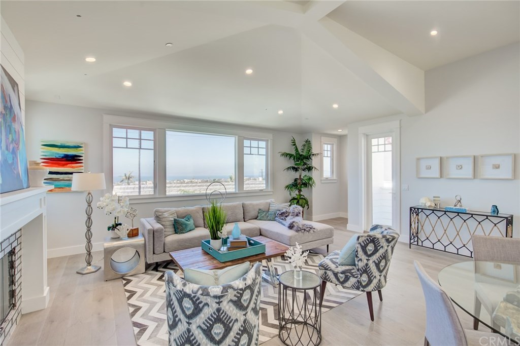 Photo for 803 19th Street, Hermosa Beach, CA 90254 (MLS # SB19032028)