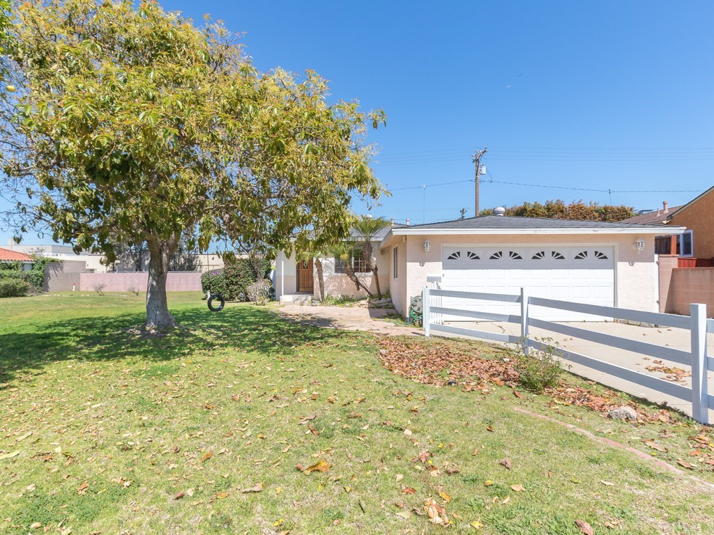 Photo for 2421 Sebald Avenue, Redondo Beach, CA 90278 (MLS # SB19080953)