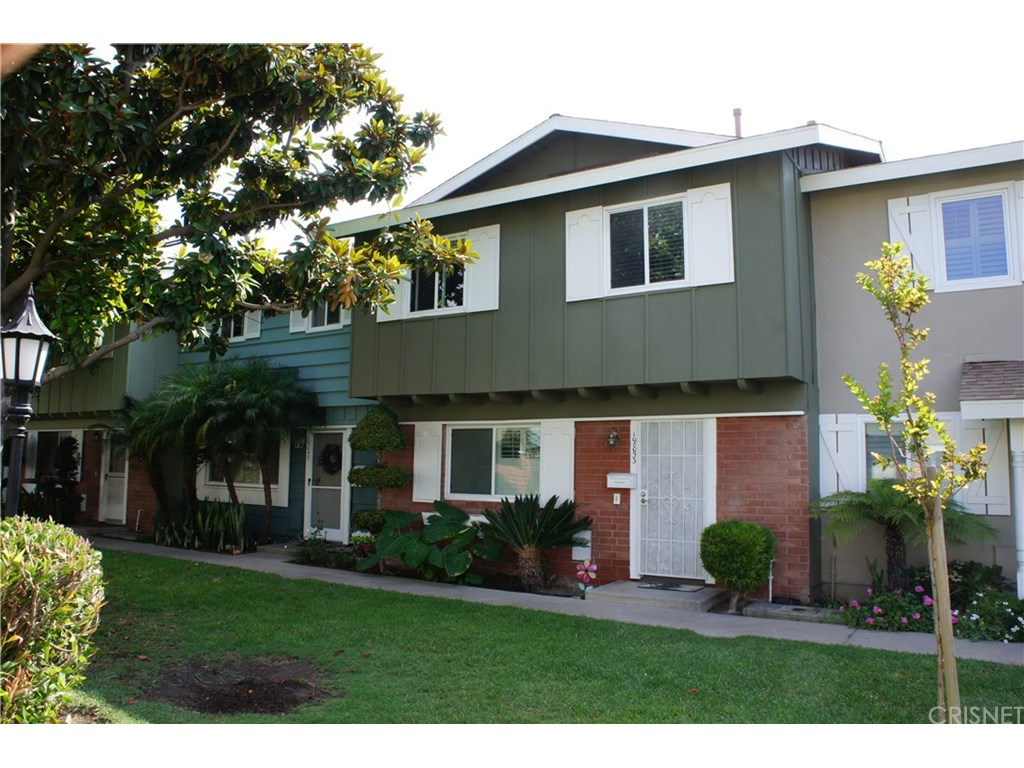 Photo for 19853 Keswick Lane, Huntington Beach, CA 92646 (MLS # SR17181601)