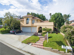 Photo of 23445 Glenridge Drive, Newhall, CA 91321 (MLS # SR17181797)