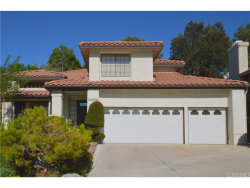 Photo of 24226 Mentry Drive, Newhall, CA 91321 (MLS # SR17208557)