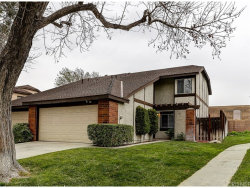 Photo of 16840 Shinedale Drive, Canyon Country, CA 91387 (MLS # SR18014511)