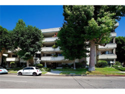 Photo of 10331 Riverside Drive , Unit 304, Toluca Lake, CA 91602 (MLS # SR18212357)