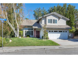 Photo of 22595 Hickory Place, Saugus, CA 91390 (MLS # SR18225238)