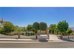 Photo of 29216 Lotusgarden Drive, Canyon Country, CA 91387 (MLS # SR18230100)